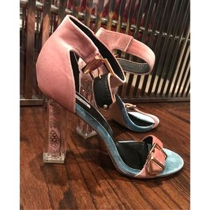 BRAND NEW pink/blue velour heels w/design detail